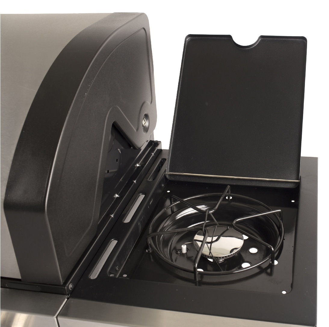 image of a side burner from the Dyna-Glo DGB495SDP-D Propane BBQ