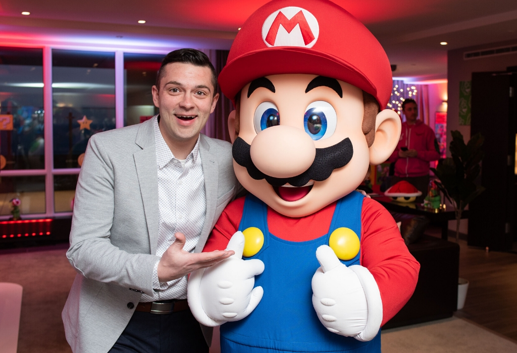 Nintendo Switch Suite Dapper and Mario