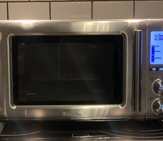 Breville BMO850BSS1BCA1 review