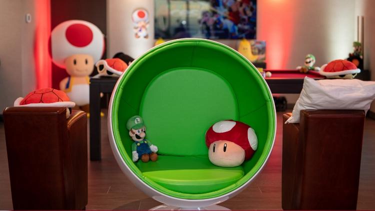 Nintendo Switch Suite - Yoshi Egg Chair