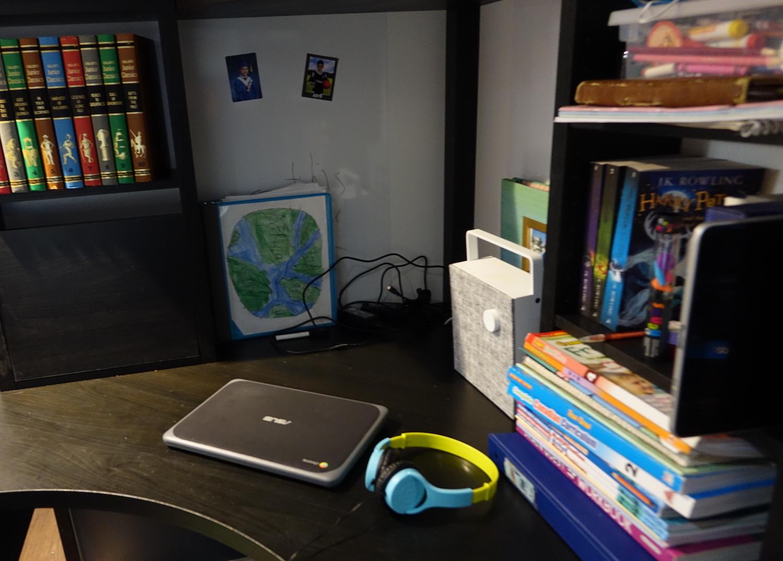 asus c202 chromebook on desk
