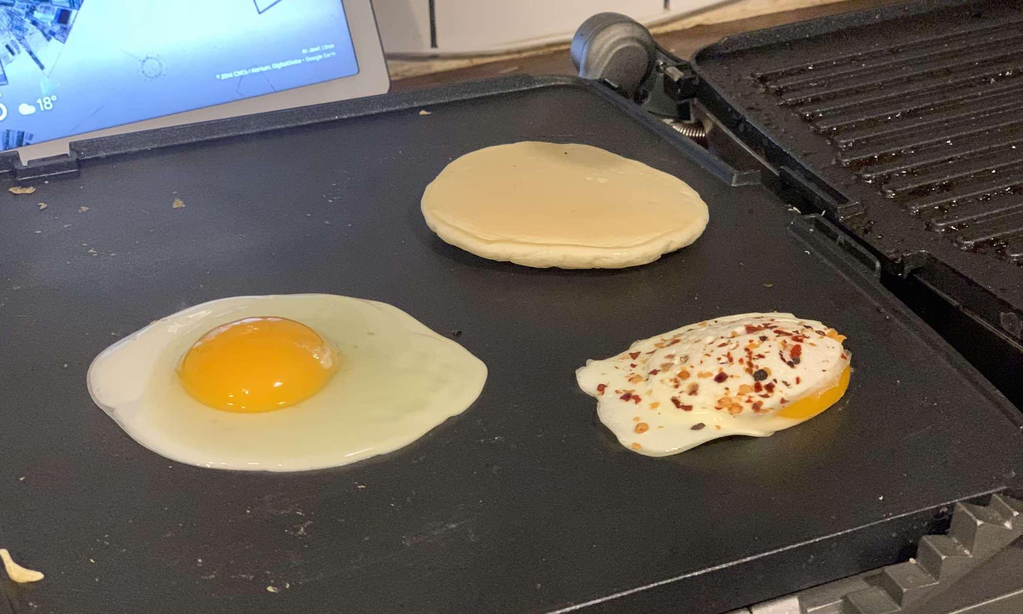 Cuisinart Griddler Deluxe eggs