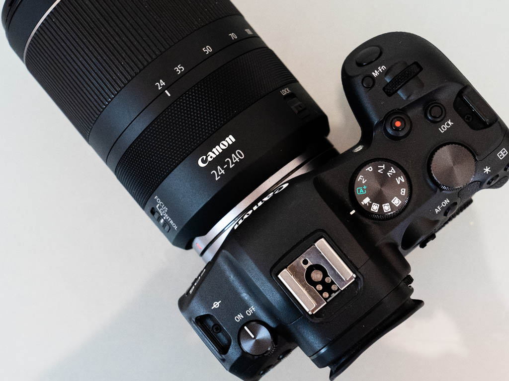 A photo of the top panel of the Canon R6