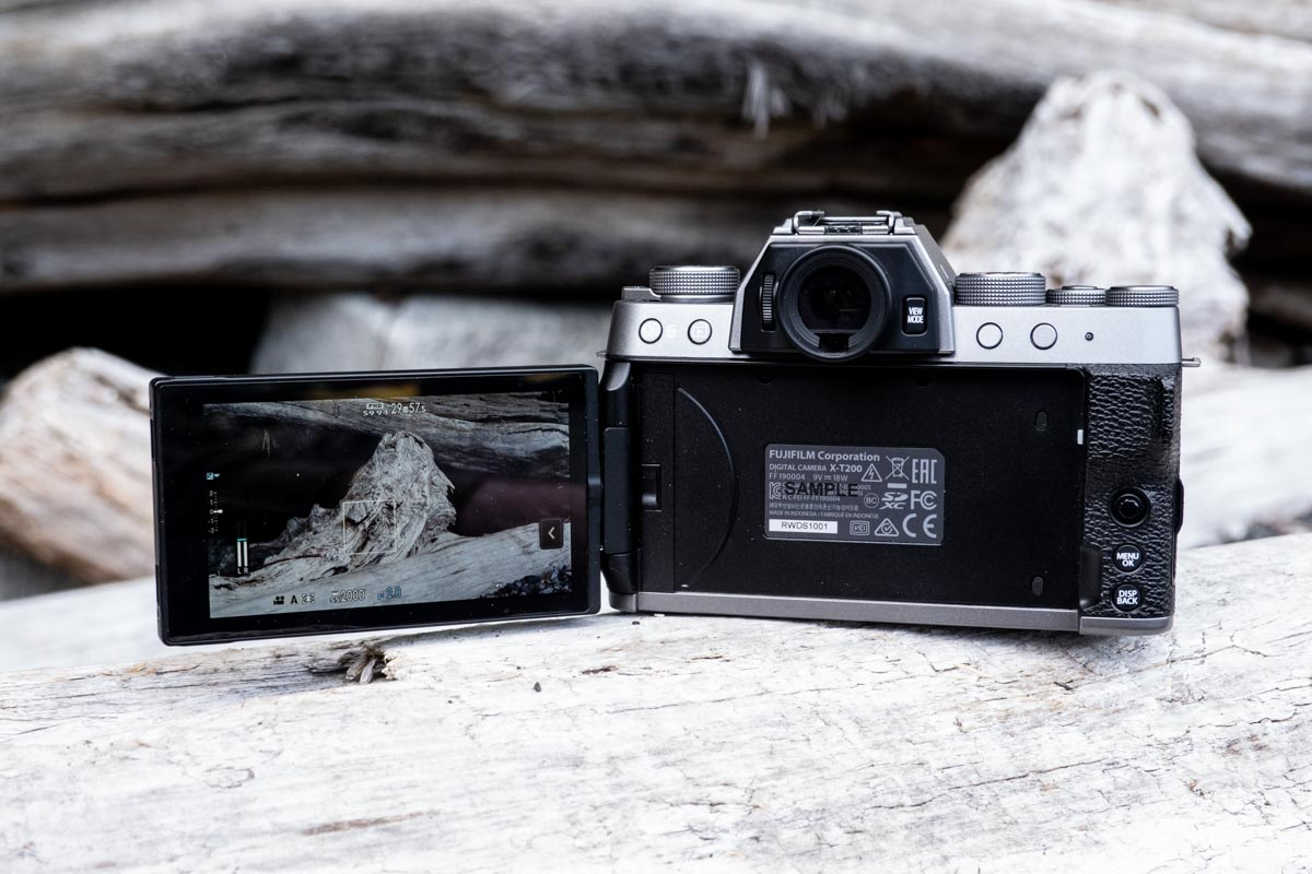 A photo of the Fujifilm X-T200 with the LCD screen