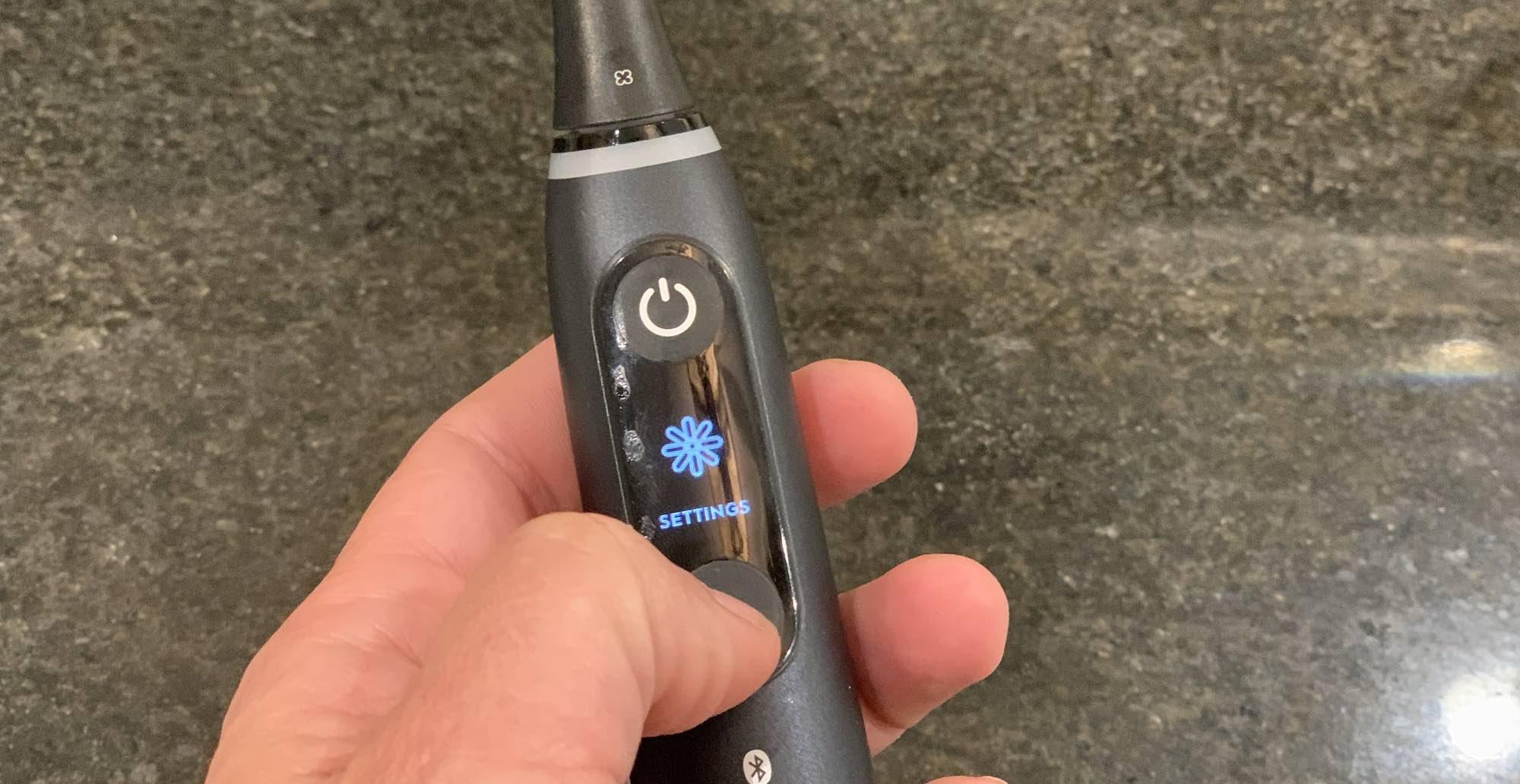 Oral-B iO8 toothbrush settings