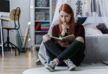 girl making a list