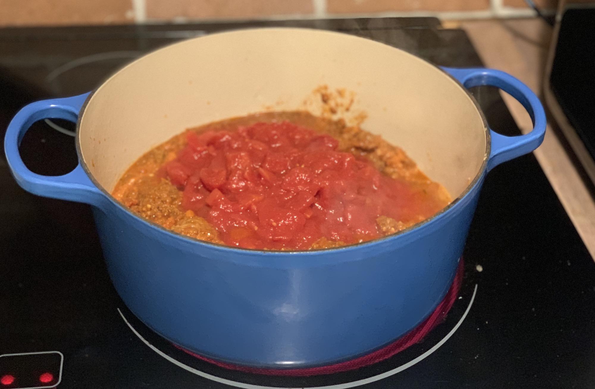 Spaghetti sauce dutch oven