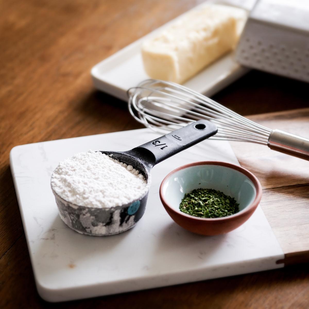 http://blog.bestbuy.ca/wp-content/uploads/2020/10/Swedish-meatballs-with-gravy-and-pasta-2.jpg