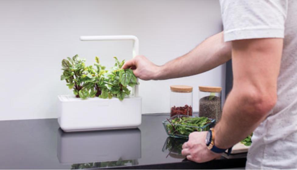 Click and Grow Indoor Smart Garden
