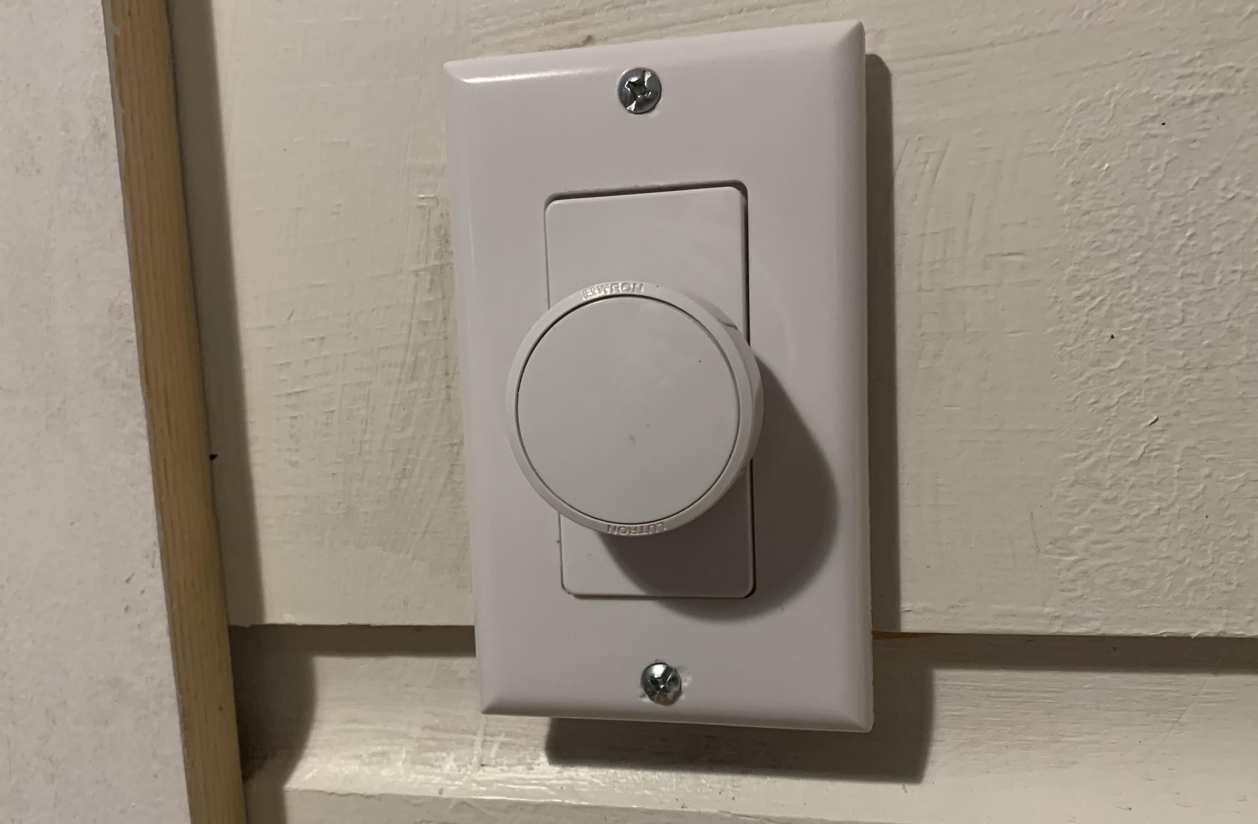Lufton Aurora Smart Bulb Dimmer Switch review