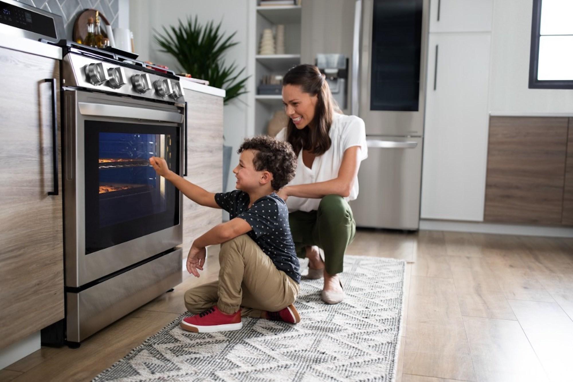 LG InstaView Range appliance announcement ces 2021