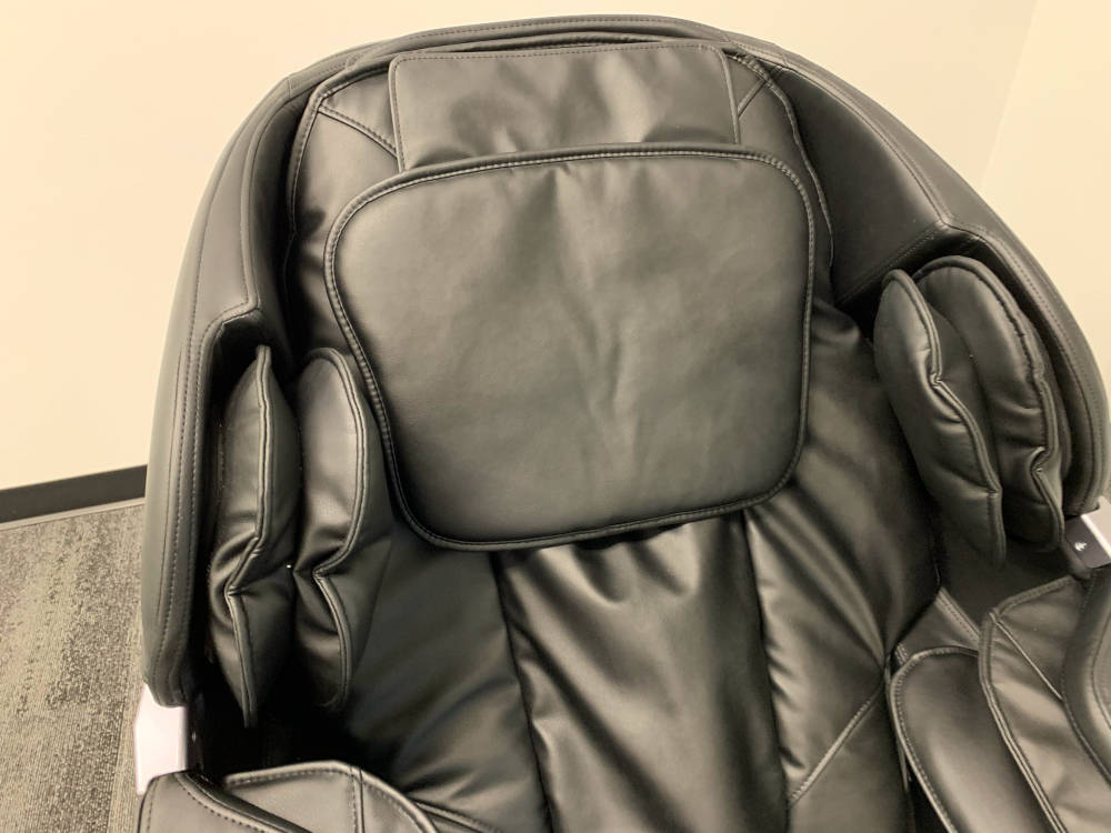 head rest Insignia massage chair