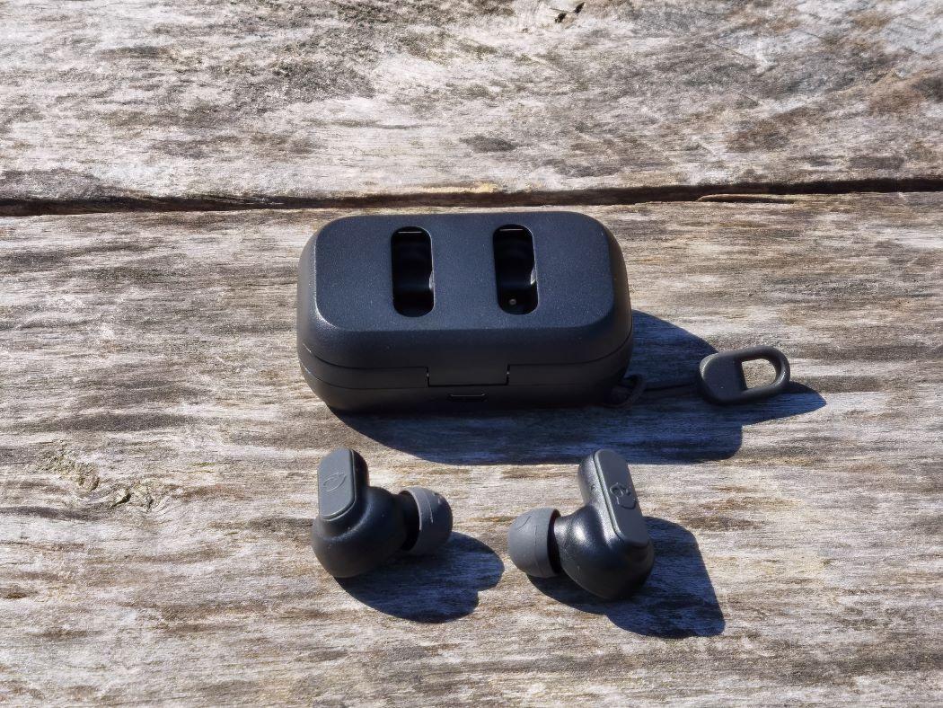 Skullcandy earbuds