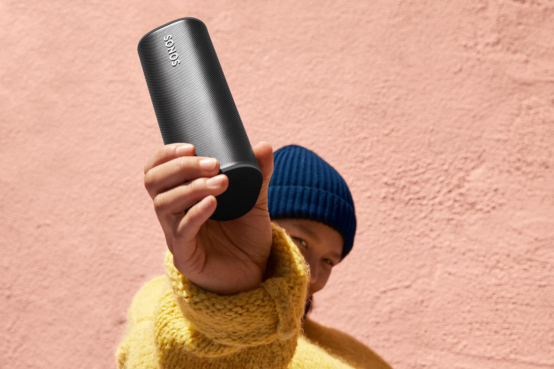 Sonos Roam portable speaker black