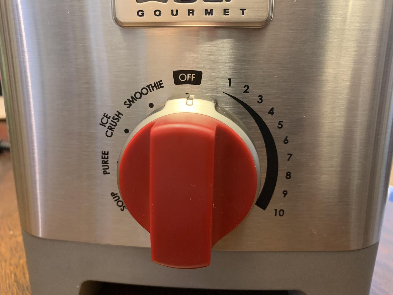 Wolf Gourmet Pro Performance blender red knob