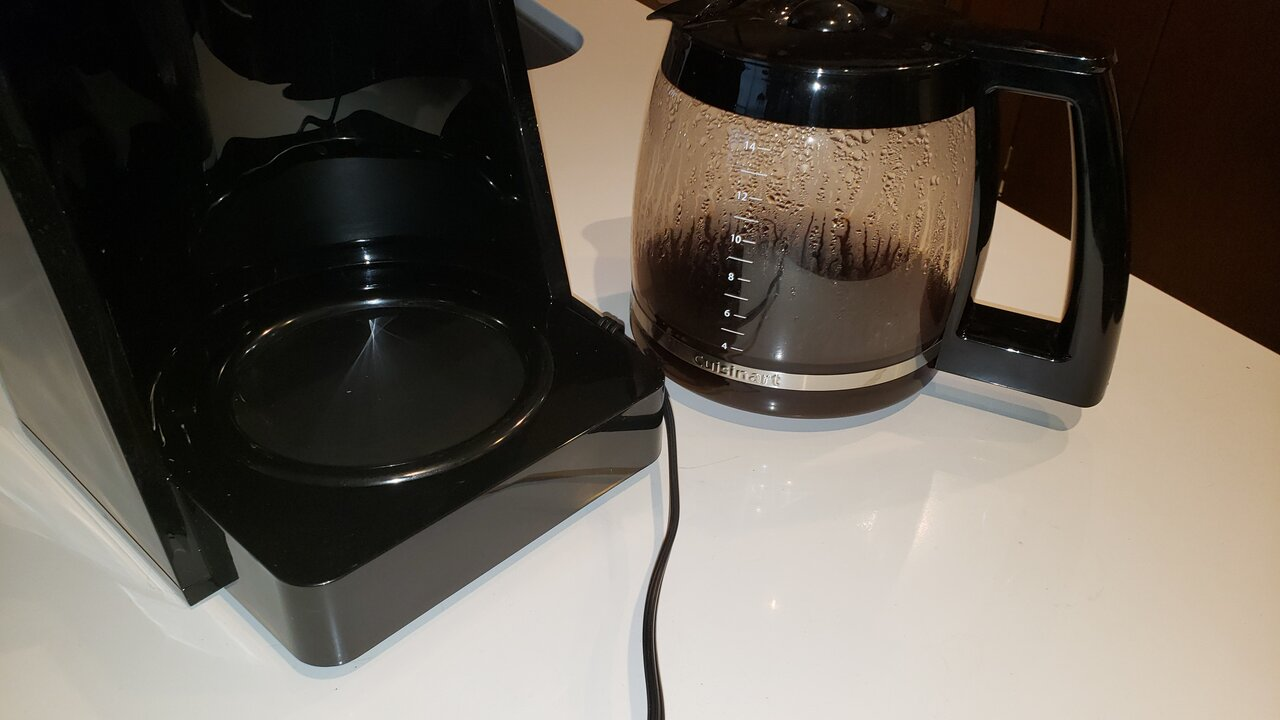 image of the warming plate next to the carafe