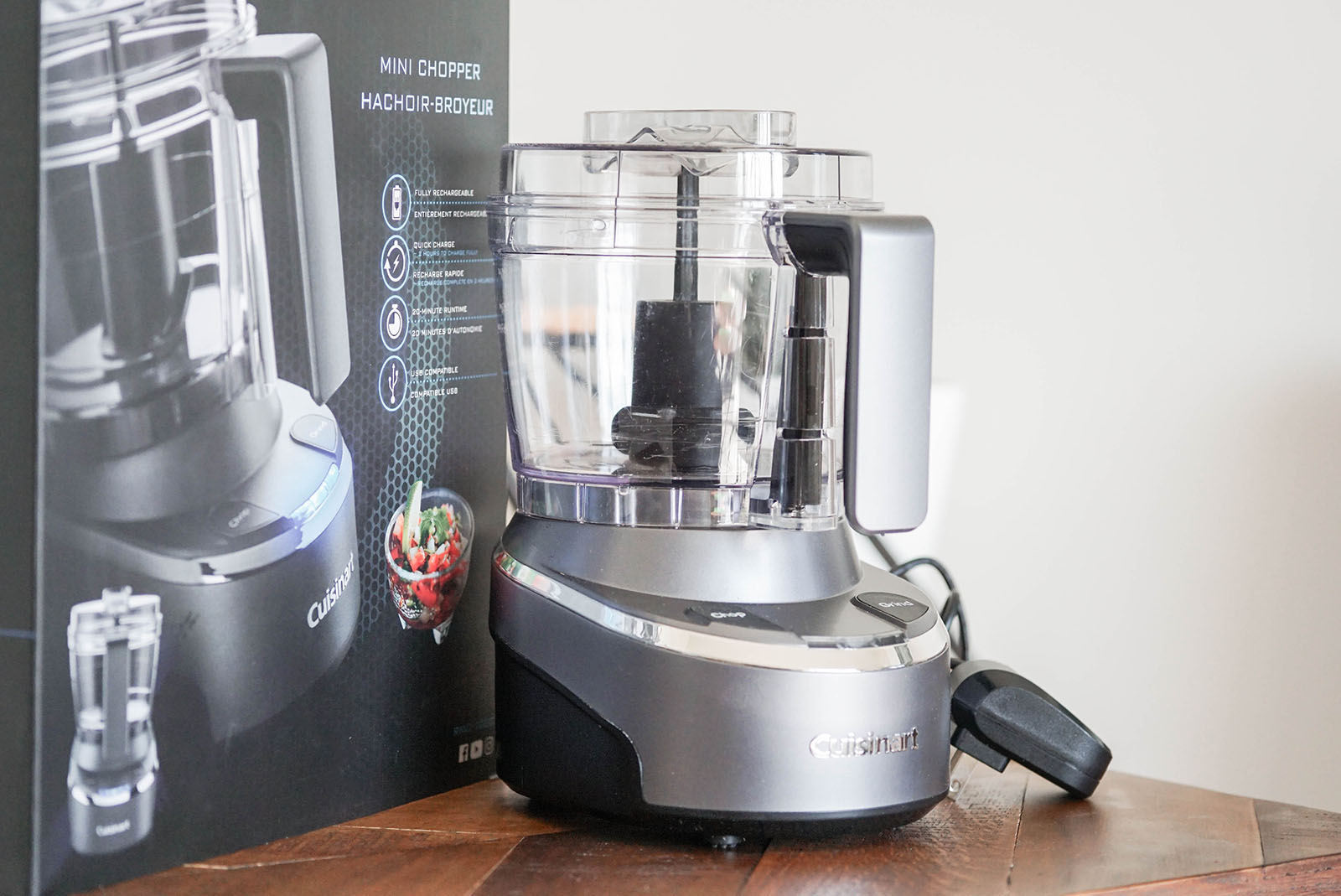 What's in the box of the Cuisinart Cordless Food Chopper