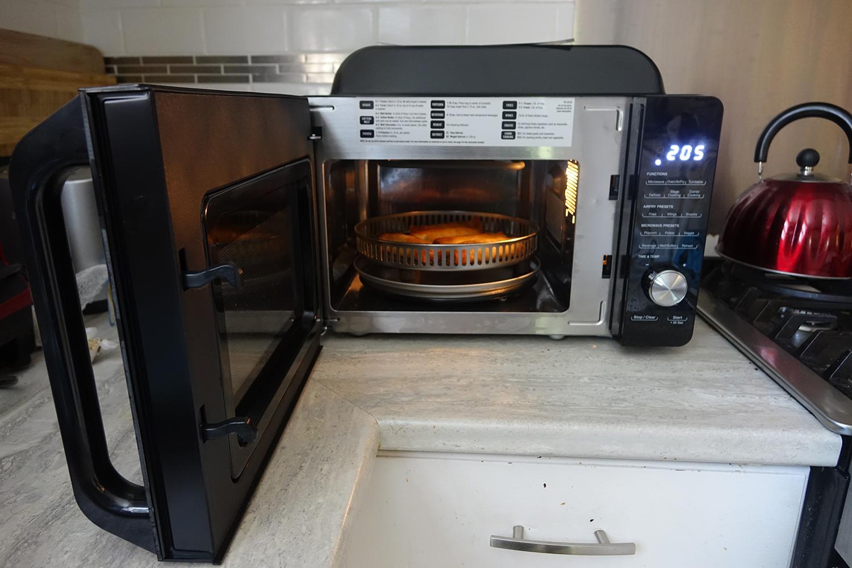 Cuisinart 3-in-1 microwave oven door open
