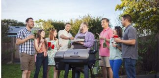 how to host an outdoor party feature image