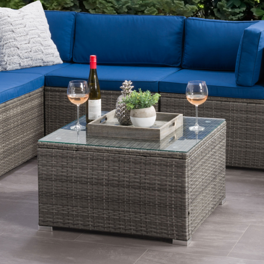 patio side table with drinks