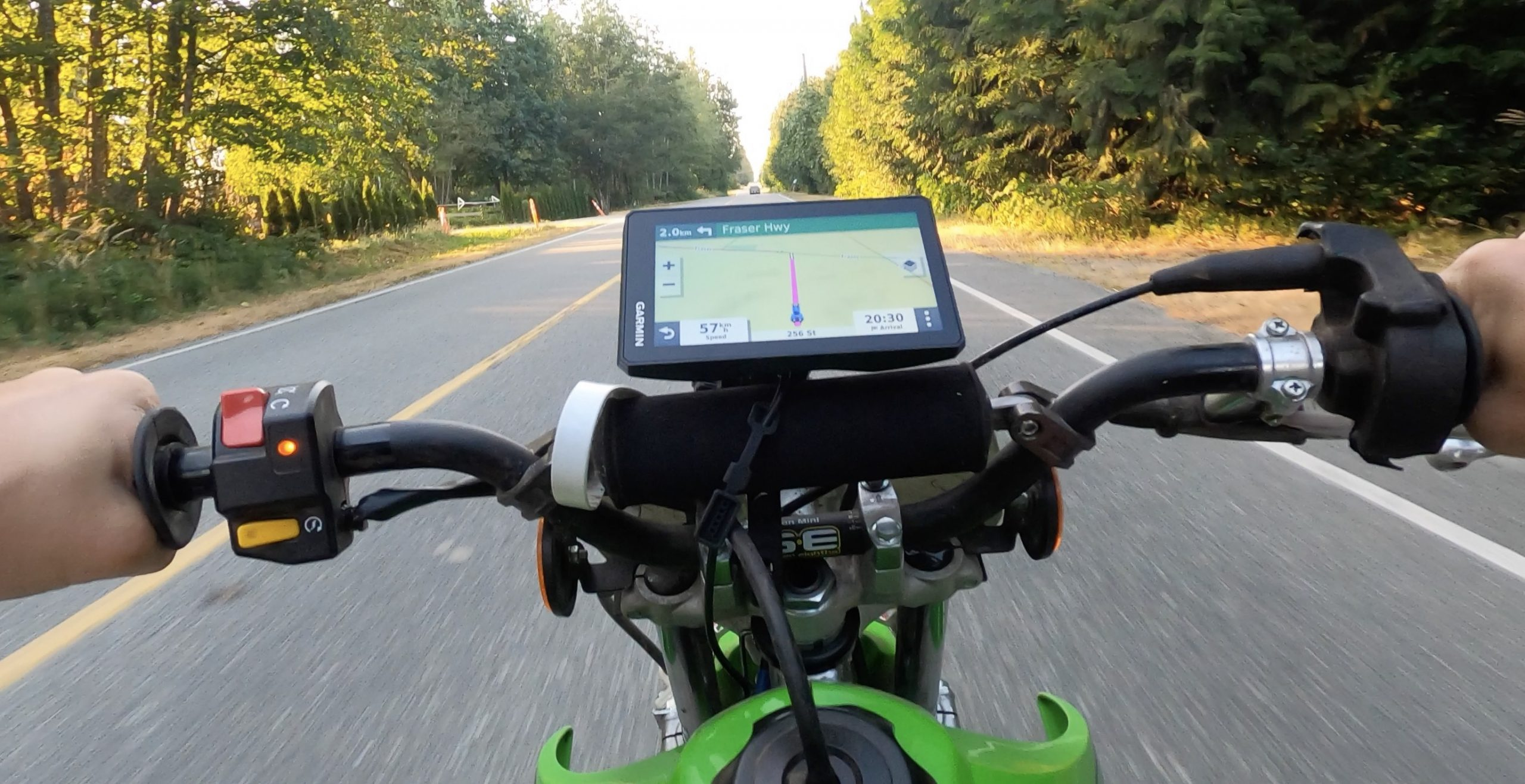 Garmin Zūmo XT motorbike gps review