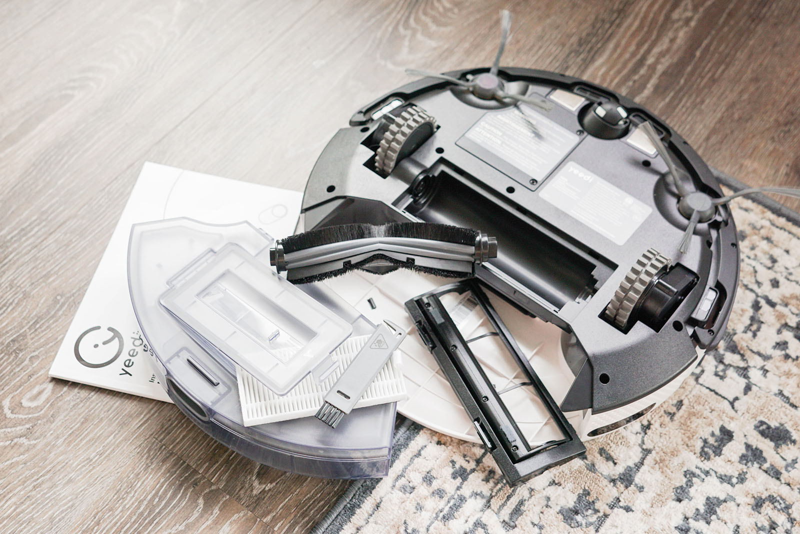 The underside of the Yeedi K650 robot vacuum