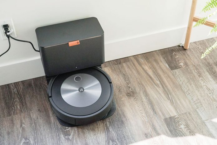 iRobot Roomba j7+ review 10