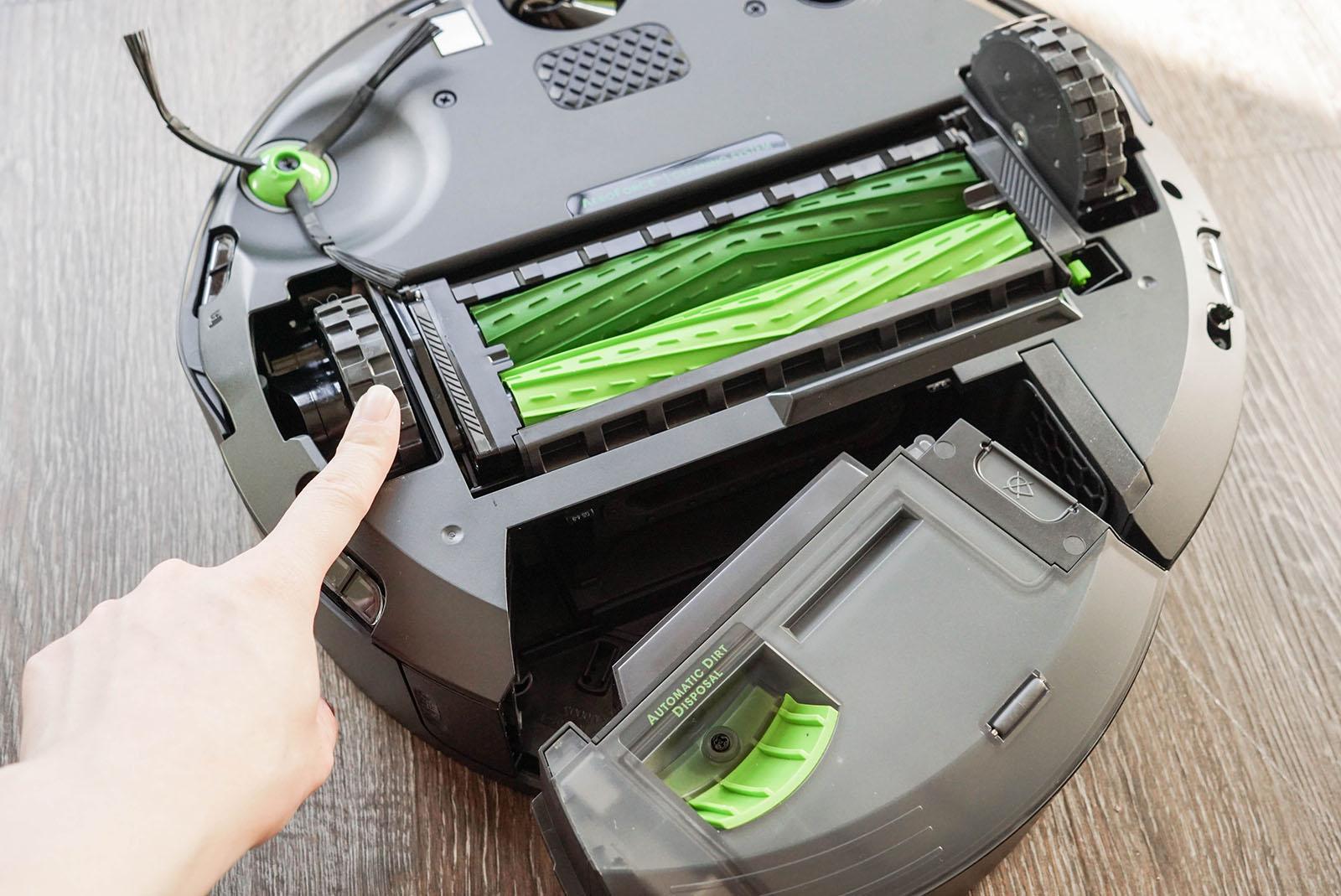 iRobot Roomba j7+ review 8