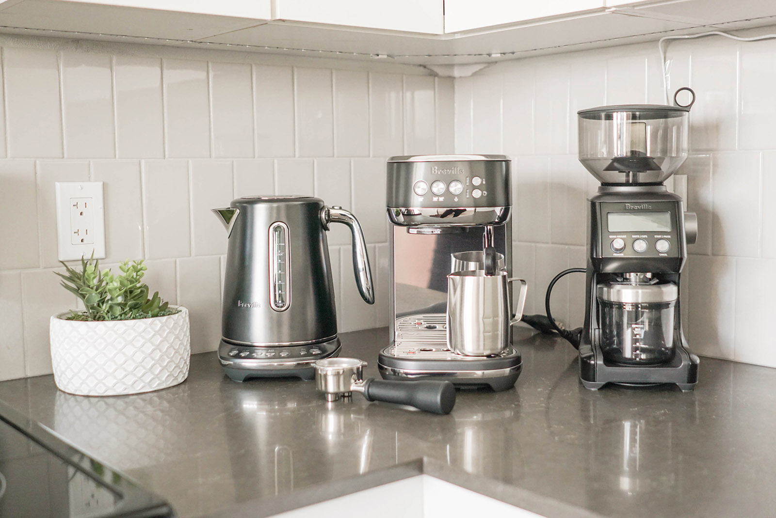 Breville Bambino Plus and grinder review 8