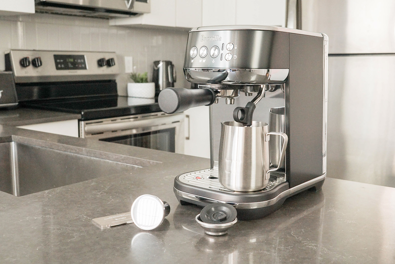 What's in the box of the Breville Bambino Plus