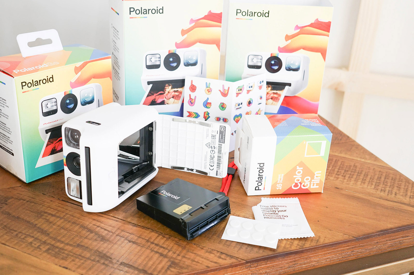 What's in the box of the Polaroid Go Instant Camera
